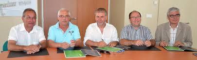 chambre d agriculture maine et loire engins agricoles signature d une charte des circulations agricoles
