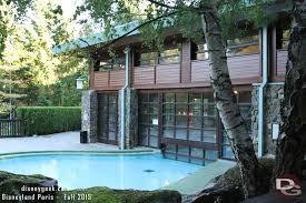 chambre standard sequoia lodge disneyland golden forest room experience disney s