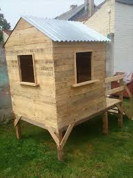 Playhouses For Backyard by Pallet Playhouse For Kids Friendly Backyard