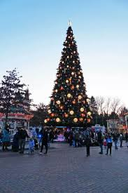 best 25 disneyland paris christmas ideas on pinterest