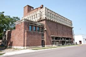 the most architecturally impressive small towns america birthplace frank lloyd wright wonder that richland center wisconsin considered one the most impressively architectural small towns