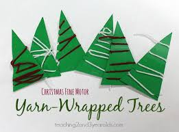 easy yarn wrapped christmas tree activity