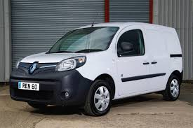 renault kangoo 2016 renault kangoo van ze wins vansa2z accolade car news reviews