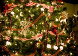 how to decorate a tree like a pro lovetoknow