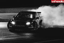 Ferrari F12 Drift - shane van gisbergen puts on smokeshow in v8 supercar turned drift