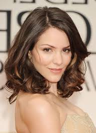 short haircuts with middle part hairstyles for heart shaped face middle part hairstyles heart