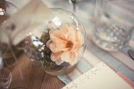 blumen geschenke zur hochzeit hochzeit geschenke gaeste blumen glas kugel creme do it