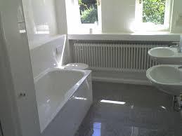 badezimmer weiß grau die besten 25 graue badezimmer ideen auf badezimmer