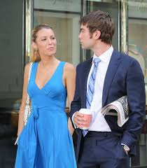 blake lively in blue dress on the set of gossip in new york