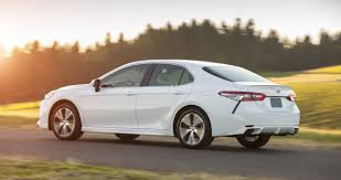 2018 toyota camry what u0027s changed photos 1 of 17