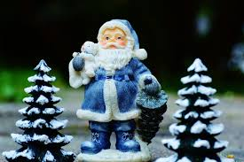 what marketers can learn about customer experience from santa claus