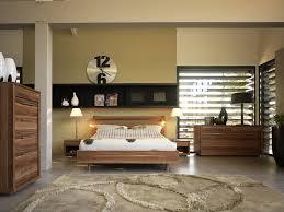 chambre mobilier de mobilier et lit chambre photo 6 10 le lit paraît bien petit dans