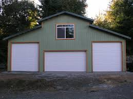 Prefab Garages With Apartments by Garage Shop Barn Style With Living Space Gambrel Garage With 2