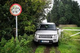 land rover discovery off road farewell to the land rover discovery 4 autocar