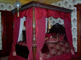 Gothic Victorian Bedding Best 25 Victorian Canopy Beds Ideas On Pinterest Pink Curtain