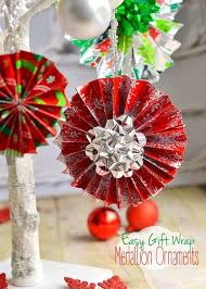 easy gift wrap medallion ornaments on timeout