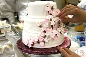 Cake Decorating Classes Maine Life As A Pastry Student Cake Decorating The Institute Of
