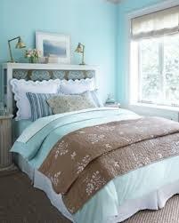 schlafzimmer hellblau frühlingsdeko im schlafzimmer 44 wundervolle ideen