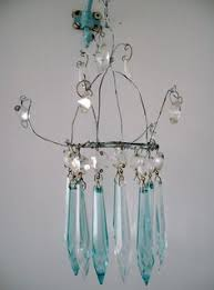 Chicken Wire Chandelier Buttonartmuseum Com Christmas Tree Chicken Wire And Pearl