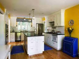 Best Colors For Kitchens With White Cabinets Kitchen Designs White Cabinets With Santa Cecilia Granite Small