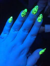 blacklight nails