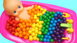 learn colors baby doll bubble gum bathtime ice cream surprise