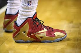 nwk lebron can u0027t let his old shoes go