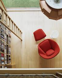 womb chair with ottoman by eero saarinen for knoll up interiors