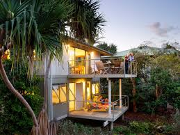 the retreat beach houses accommodation queensland