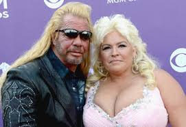 arrest warrant issued for dog the bounty hunter s wife beth chapman