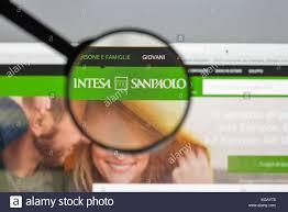 intesa banking milan italy august 10 2017 intesa sanpaolo bank website stock
