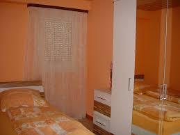 Schlafzimmer Orange Ferienwohnung Margarete Kubin Varnhalt Lhs04594 Fewo Direkt