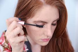 How To Use An Eyelash Curler The One Thing You Should Never Do When Curling Your Eyelashes