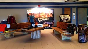 log home furniture and decor pioneer log homes canada google search carverkings pioneer