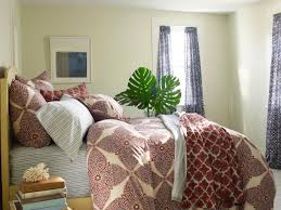Choosing Bed Sheets by Guide To Buying Sheets Hgtv