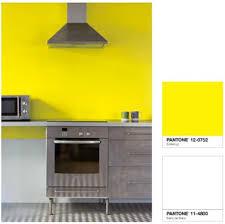 cuisine jaune citron couleur peinture cuisine jaune vif et blanc tollens castorama