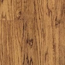 pergo xp handscraped oak laminate flooring 5 in x 7 in