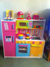 cuisine kidcraft 4 benefits of kidkraft deluxe big bright kitchen 53100 for