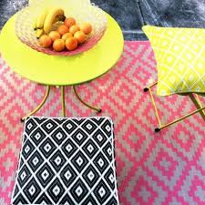 Geometric Outdoor Rug Pixel Outdoor Rug In Pink White Geometric Patterned Mat