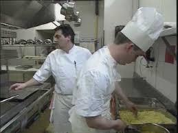 emploi chef de cuisine bordeaux gwennaël chef de partie cuisine une vidéo métier pôle emploi