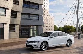 volkswagen announces uk pricing for passat gte plug in hybrid