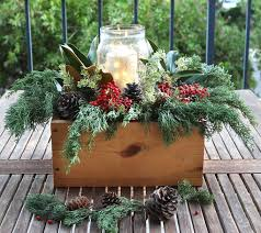 how to make a christmas floral table centerpiece diy christmas table decorations easy centerpiece in 10 minutes a