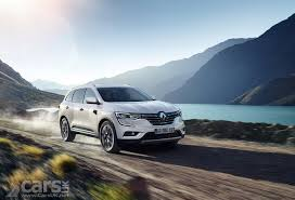 new renault kadjar renault kadjar suv heads upmarket with signature s nav model