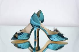 wedding shoes tips 7 wedding shoe mistakes to avoid emmaline wedding