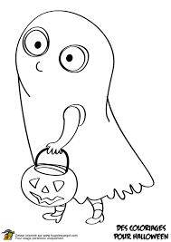 coloriage de la fillette habillée en fantôme pour halloween