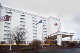 Airport Hotels Become More Than A Convenient Pit Sheraton Pittsburgh Airport Hotel Parking Pit Pittsburgh