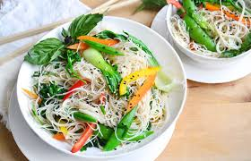 noodle salad recipes thai rice noodle salad recipe life by daily burn
