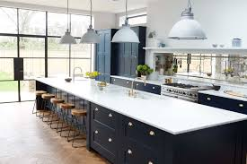 Mirrored Backsplash In Kitchen Black Cabinets And Marble Countertop Kitchen Kitchen Pinterest