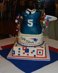 cb east girls volleyball banquet cake 3 d jersey on top of tiered