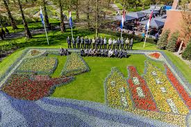 flower garden in amsterdam a look back at 10 years of keukenhof themes i amsterdam blog